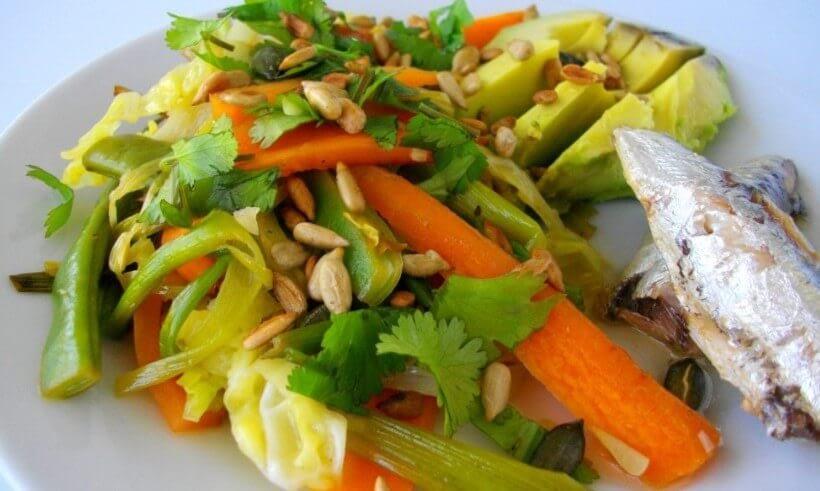 verduras con jengibre y aguacate